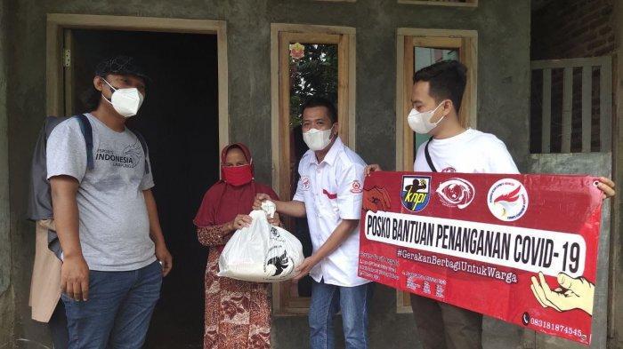 E-Sport Lampung Bagikan Ratusan Paket Sembako ke Warga Terdampak Pandemi