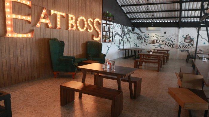 KULINER LAMPUNG - Sensasi Unik The Long Bos Chili Dog ala Eat Boss Cafe Bandar Lampung