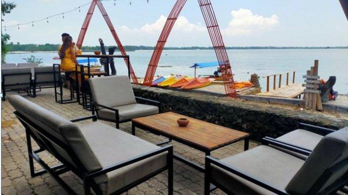 Berdir di atas lahan seluas 15 hektar di dalam Kawasan Krakatoa Nirwana Resort Lampung, Grand Elty Krakatoa memiliki karakteristik sendiri, yakni hamparan pasir putih dengan laut yang tenang