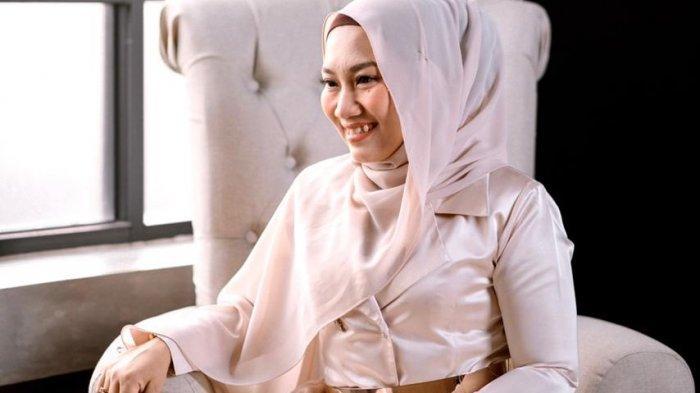 Kisah Eka Martha Menekuni Dunia Makeup Artist Pengantin di Lampung
