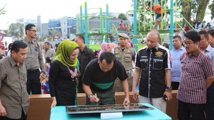 Gubernur Ridho Resmikan Taman Bermain Anak di Elephant Park Enggal Bandar Lampung