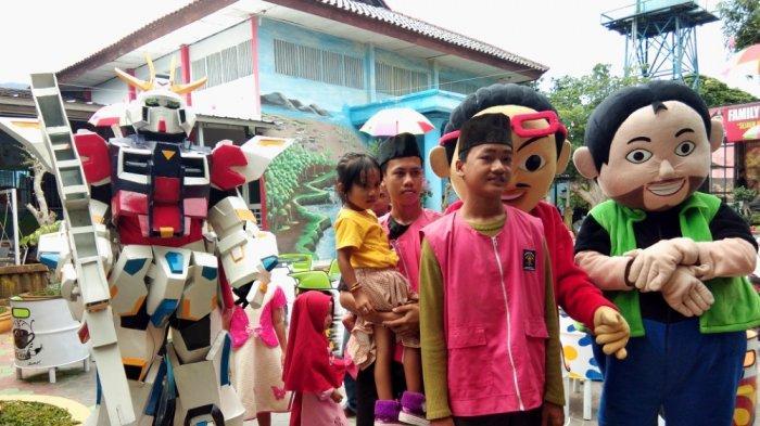 Robot dari Komunitas Plat Merah Hibur Bocah di Family Day Lapas Kelas IIA Kalianda