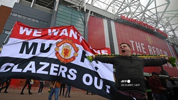 Fans MU tuntut Pemilik Klub Angkat Kaki, Glazer Malah Ingin Bertahan Lebih Lama