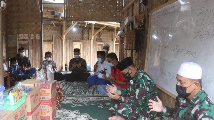 Jumat Peduli TNI, Dandim 0410 Beri Bantuan Pondok Pesantren Irsyadil Ibad