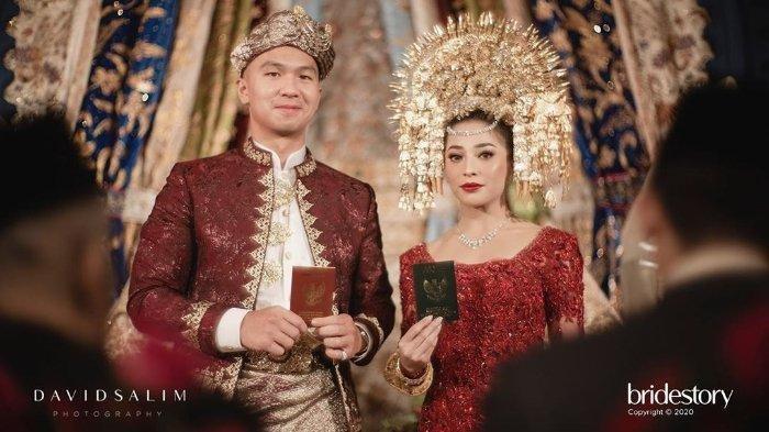 Hadirkan Dua Gajah Dalam Pelaminan Pernikahannya, Ini Alasan yang Diungkapkan Nikita Willy