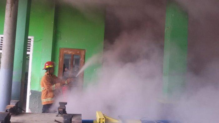 Kebakaran di SMK Yasmida Pringsewu Diduga Akibat Korsleting Genset