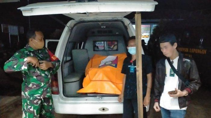 Geger Penemuan Mayat Pria Berkaus Merah di Sungai Tulung Balak Lampung Utara