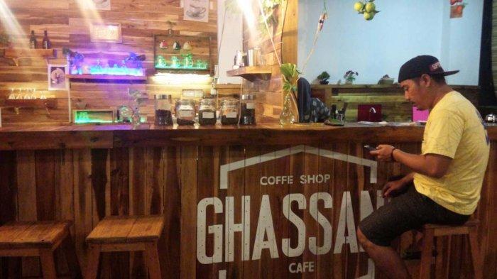 Seruput Aneka Minuman Kopi di Ghassani Cafe, Coffee Shop Pertama di Lamteng Bagi Kaum Milenial