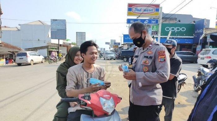Giat Ops Yustisi, SatBinmas Polres Mesuji Lampung Imbau Warga Gunakan Masker