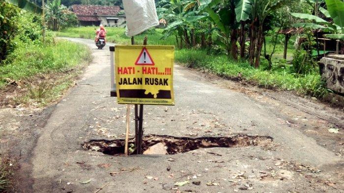 Gorong-gorong Jalan Penghubung di Sukatani Kalianda Lamsel Jebol