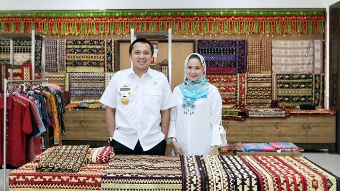 Didampingi Istri, Gubernur Lampung Ridho Ficardo Tinjau Gedung Dekranasda Lampung