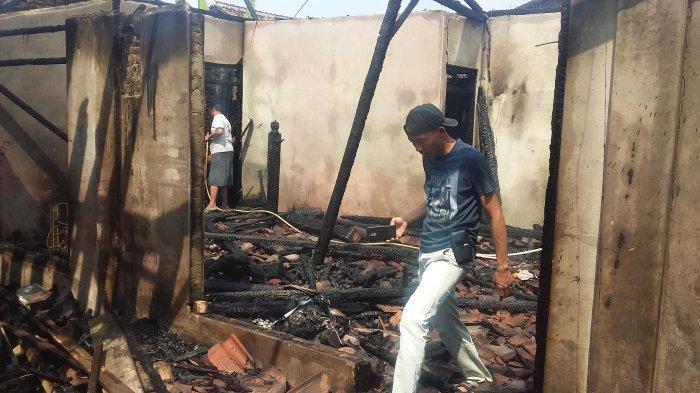 BREAKING NEWS - Kebakaran Gudang Mebel Diduga Akibat Korsleting Listrik Arus Pendek