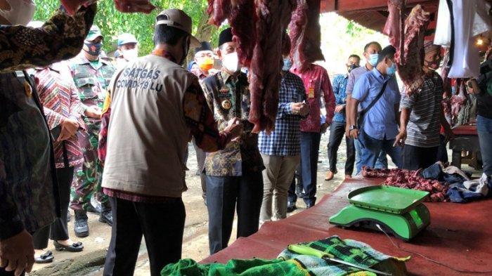 Gugus Tugas Awasi Prokes Secara Ketat saat Bupati Lampung Utara Pantau Harga Sembako
