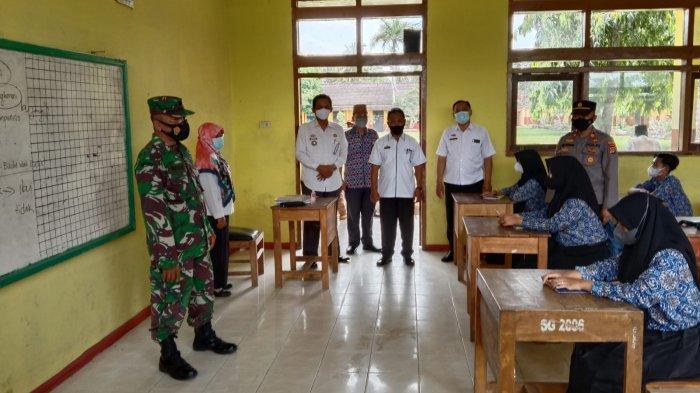 Gugus Tugas Kecamatan Cek Prokes PTM SMPN 1 Way Bungur Lampung Timur