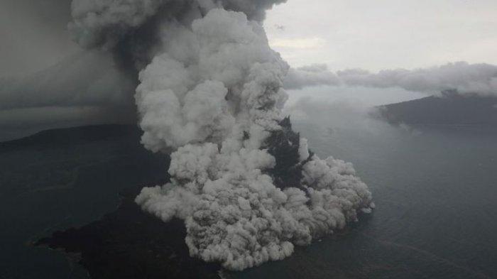 Gunung Anak Krakatau Erupsi, Status Level II Waspada, Warga Dilarang Mendekat Radius 2 Kilometer