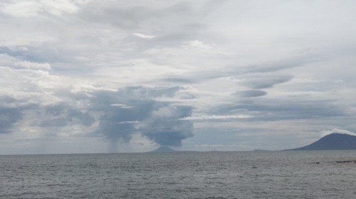 Hari Ini Gunung Anak Krakatau Meletus Sebanyak 24 Kali dan Gempa Hembusan Sebanyak 23 Kali