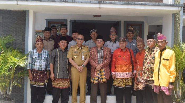 Silaturahmi Pemkab Tanggamus dengan IWAPTA, Sekda Ajak Masyarakat Bersatu
