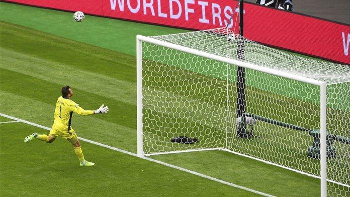 Hasil Pertandingan dan Klasemen Euro 2020, Polandia Merana Akibat Gol Bunuh Diri