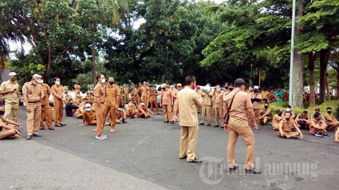 Hasil Ratusan Kades Datangi Kantor Bupati Lampung Selatan Soal Tunjangan