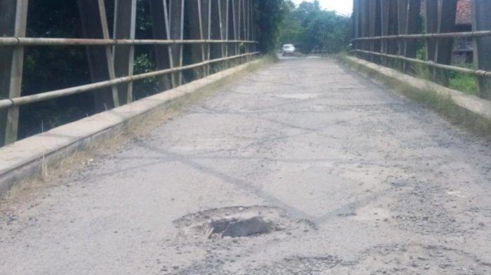 Hati-hati, Jembatan Way Sungkai Lampung Utara Berlubang