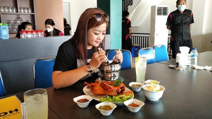 Kuliner Lampung, HO Kitchen Tawarkan Sop Buntut dan Bebek Bumbu Bali