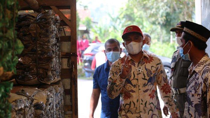 HPSN 2021, Bupati Lampung Barat Parosil Mabsus Apresiasi Gerakan Sedekah Sampah
