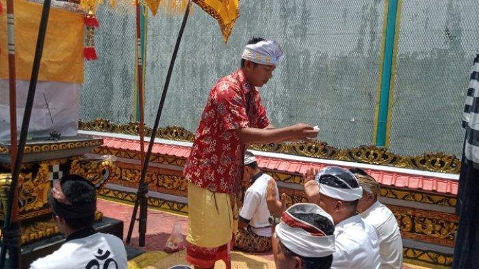 8 Warga Binaan Beragama Hindu di Lapas Gunung Sugih Jalani Prosesi Galungan dan Kuningan
