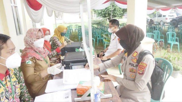 IDI Lampung Timur, PWI & Pokdar Kamtibmas Gelar Swab Antigen dan Bagi Masker Gratis