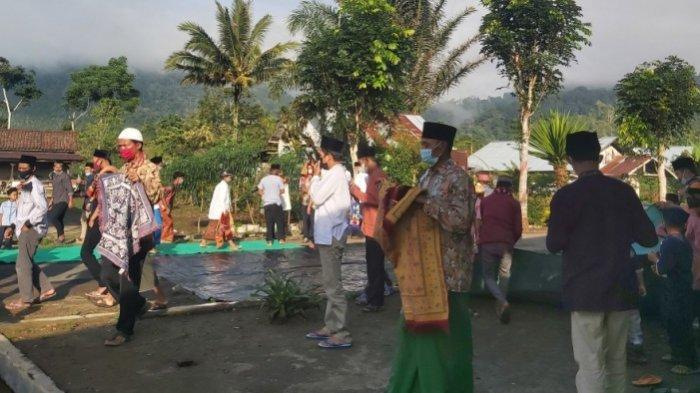 Seusai Salat Idul Fitri, Jemaah Masjid di Lampung Barat Bubar Tanpa Bersalaman