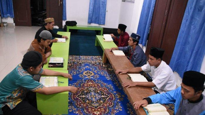 Aktivitas Para Penghafal Al Quran Mahasiswa di Kampus Terbaik IIB Darmajaya