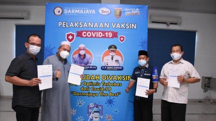 Sivitas Akademika IIB Darmajaya Jalani Vaksinasi dari Dinas Kesehatan Provinsi Lampung