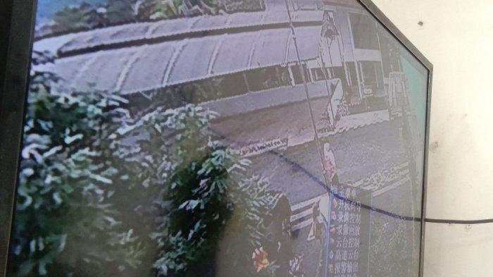 Ikut Diperiksa KPK, Istri dan Ibu Bupati Nonaktif Lampura Datangi BPKP Lampung