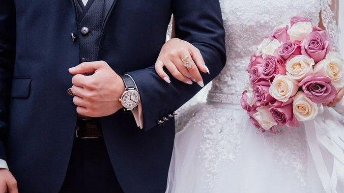 Ilustrasi menikah. Simak arti mimpi menikah