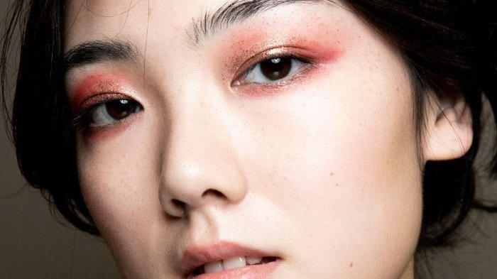 4 Jenis Produk Eyeshadow Base Lokal untuk Riasan Mata Lebih Tahan Lama