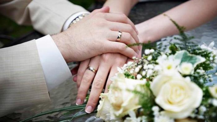 Ilustrasi menikah. Simak arti mimpi akan menikah, beda orang beda arti