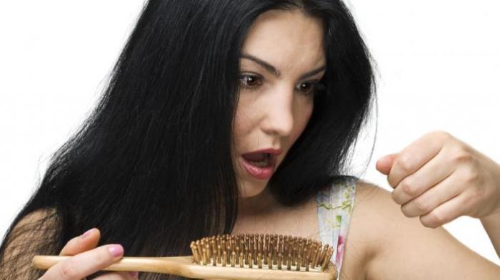 Ilustrasi rambut rontok. Simak arti mimpi rambut rontok, benarkah pertanda sial?