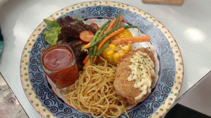 Kuliner Bandung, Rekomendasi Tempat Nongkrong dengan Pemandangan Kota Bandung
