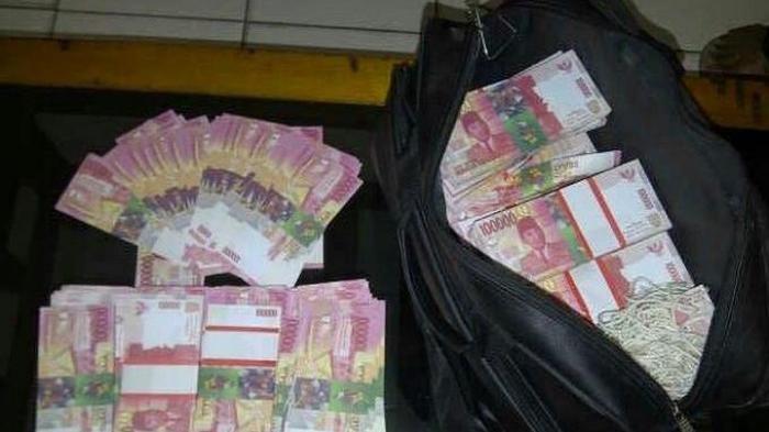 Uang Rp 117 Juta di Mobil Mendadak Hilang, Majikan Kaget dengan Tingkah Aneh Pembantu