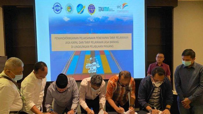 GM IPC Panjang Tandatangani Kesepakatan Penyesuaian Tarif Jasa ke Pelabuhan Bersama Asosiasi