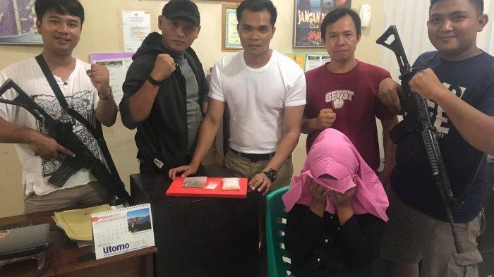 Dijebak Polisi Menyamar, IRT asal Bandar Lampung Terciduk Bawa Narkoba Senilai Rp 124 Juta