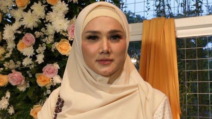 Mulan Jameela Hapus Foto 3 Kacamata Gucci Setelah Diingatkan KPK