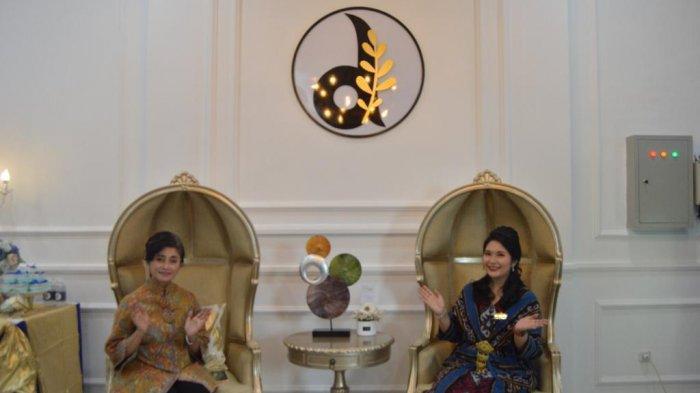dr. Fransisca Dian, istri dari Dandenpom II/3 Lampung Mayor Cpm Hanri Wira Kusuma, resmi mendirikan Cabang Klinik Kecantikan dr. Dian Aesthetic dan Anti Aging di Jalan Diponegoro No. 39C, Telukbetung, Bandar Lampung, Kamis (22/10/2020).