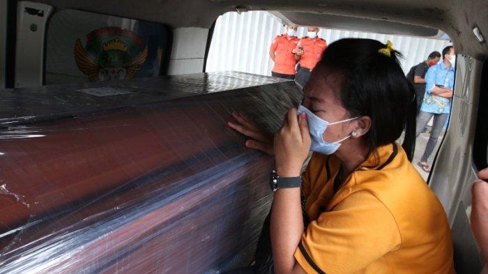 VIDEO Suasana Haru Selimuti Kedatangan Jenazah Korban Sriwijaya Air SJ 182 asal Lampung