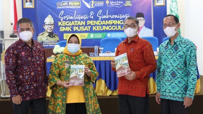 Rektor UM Metro Jazim Ahmad Hadiri Acara Sosialiasi dan Sinkronisasi Kegiatan Pendampingan SMK
