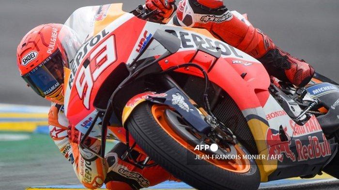 Pembalap Spanyol Repsol Honda Team Marc Marquez mengendarai motor selama sesi latihan bebas ketiga dalam MotoGP Prancis 2021 di Sirkuit Le Mans, Prancis, pada 15 Mei 2021. Simak, berikut ini adalah jadwal kualifikasi MotoGP Prancis 2021 yang akan berlangsung Sabtu (15/5/2021) malam, akankah Marc Marquez pole position?