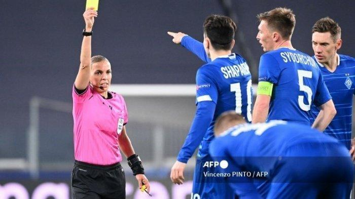 Euro 2021, Stephanie Frappart Wasit Wanita Pertama di Piala Eropa