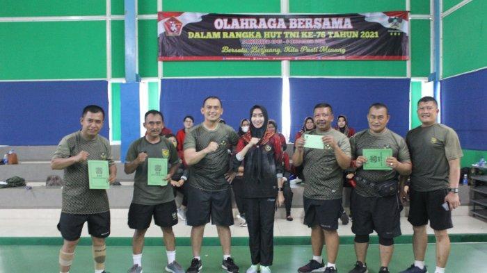 Romas Herlandes Bersama Jajaran Kodim Jaga Kebugaran Tubuh dengan Berolahraga di Lampung Walk
