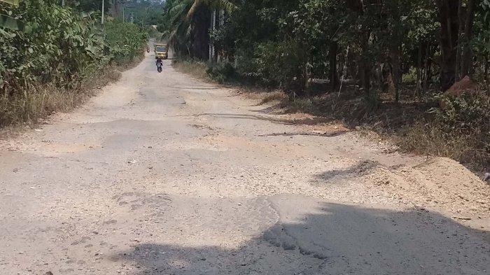 Perbaiki Jl Saleh Raja KusumaYudha Sumur Putri Bandar Lampung