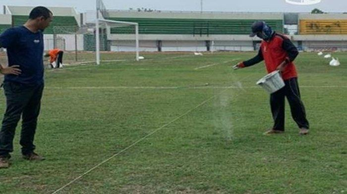 Badak Lampung Sambut Positif Perbaikan Kualiatas Rumput Stadion Demang Lehman, Markas Barito Putera