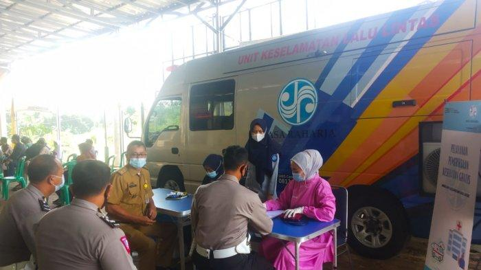 Mobil Unit Keselamatan Lalu Lintas Jasa Raharja Hadir di Samsat Induk Pesawaran